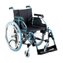 Aluminium wheelchair with deluxe brakes